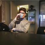 Min studiekamrat Mattias. Just här avnjuter han en kaffe på Juridiska förening.