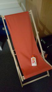 Två essentiella saker att ha i Australien är införskaffade - solstolen och solkrämen. I'm ready for you summer!