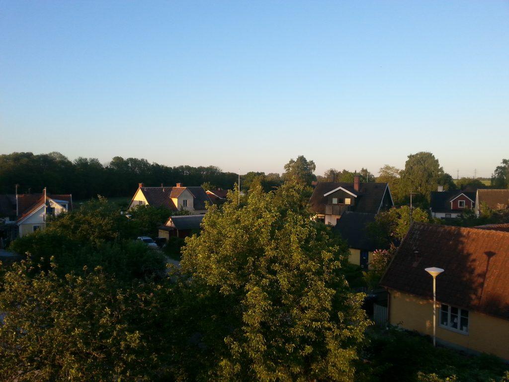 Utsikt över hustaken i Örtofta - alternativt boende utanför Lund