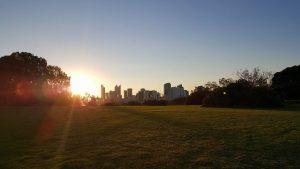 Perth city i solnedgången.