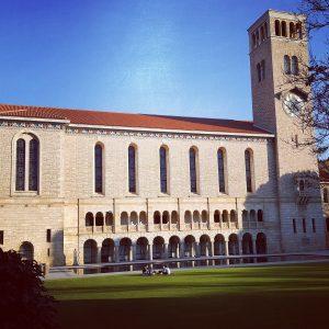 Säg hej till min nya skola! Detta är Wintroph Hall på University Of Western Australia.
